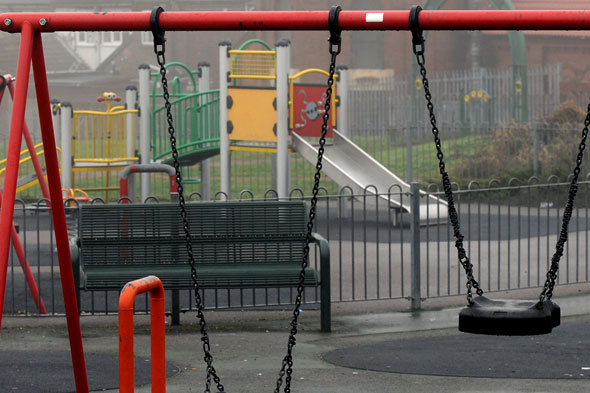 Children left scared after man threatens them in park with replica gun
