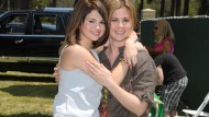 Selena Gomez's mum gives birth to baby girl