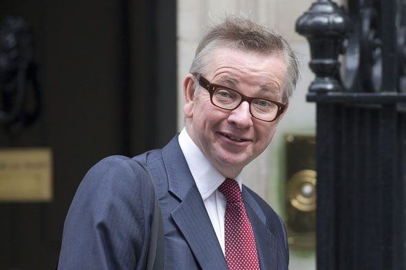 Teenagers should send poems rather than sexts says Gove