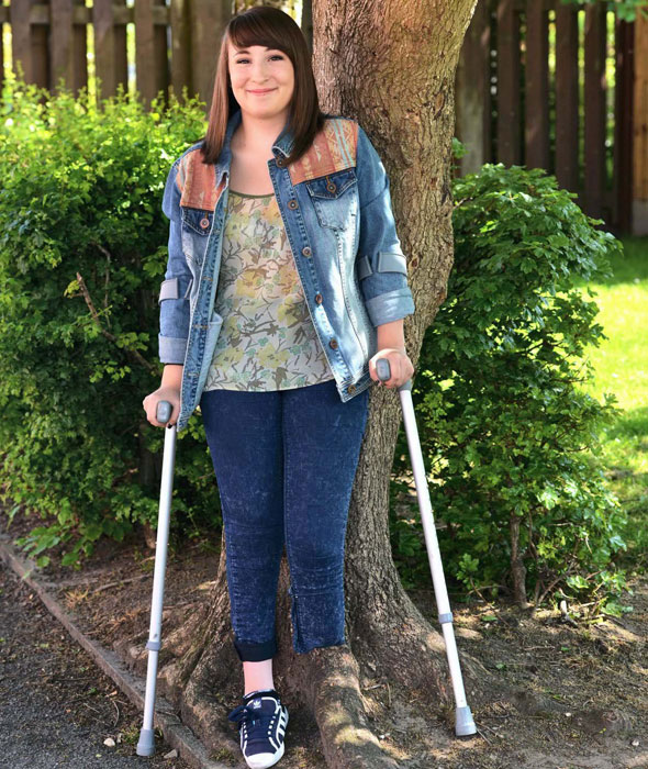 Girl, 15, asked doctors to cut her leg off - so she could walk again