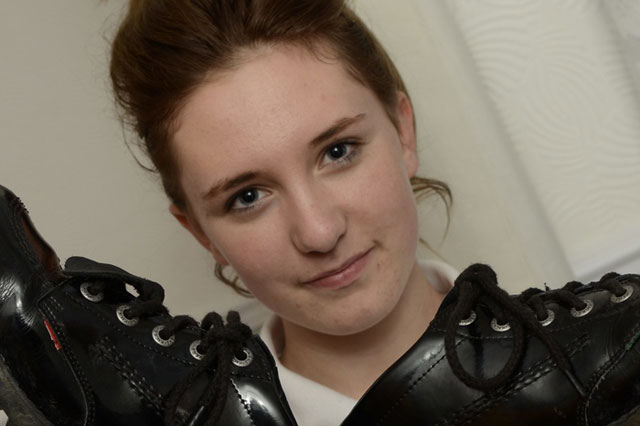 Mum calls in police after school snipped off daughter's shoe tags