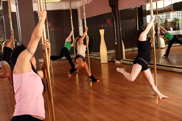 pole dancing picture