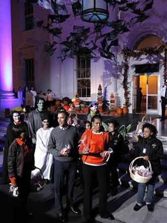 white house halloween picture