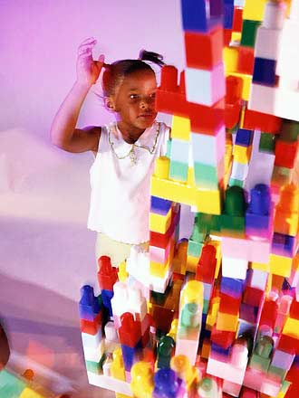kid playing blocks picture