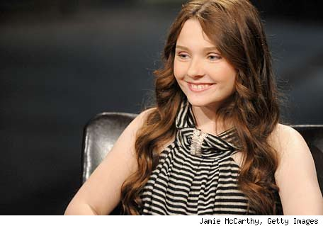 Abigail Breslin to be Helen Keller