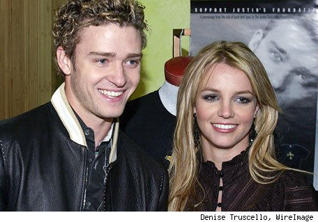 justin timberlake and britney spears kissing. Justin Timberlake and Britney