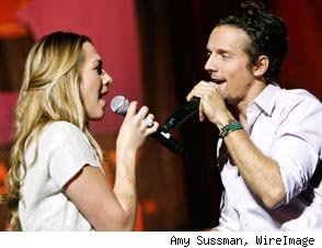 Colbie Caillat and Jason Mraz