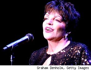 Liza Minnelli Sings 'Single Ladies' for