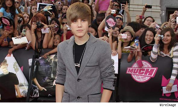 Justin Bieber Fever Sets Toronto on Fire at MMVAs