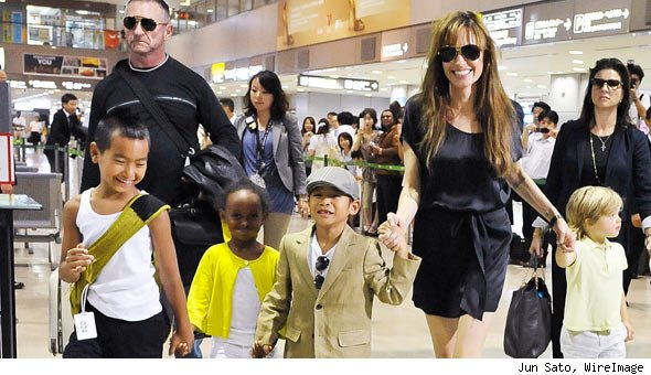 Photo: Angelina Jolie and Kids En Route to 'Salt' in Japan