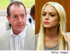 Lindsay Lohan Reunites With Michael Lohan in Rehab