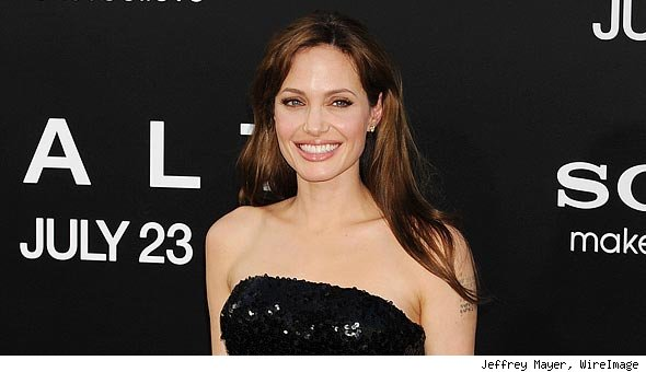 Angelina Jolie Refuses to Celebrate Thanksgiving, Thinks It's a 'Story of Murder'