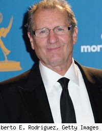 Ed O'Neill Denies Slamming Jane Lynch's Emmy Win