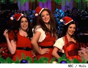 SNL Spoofs the Kardashian Kristmas