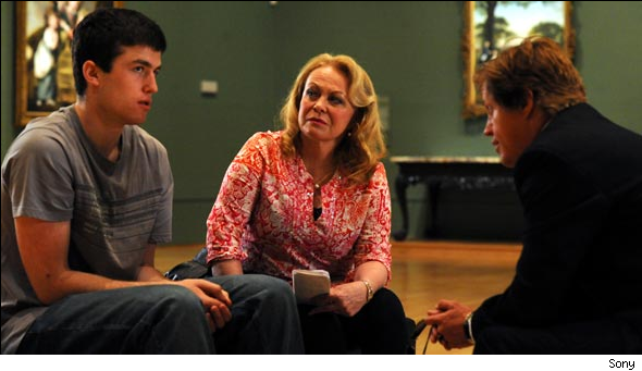 'Animal Kingdom' Star Jacki Weaver Hopes She Never Meets Someone Like Her Character