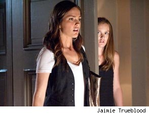 Leighton Meester and Minka Kelly in The Roommate