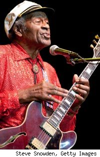 Chuck berry 84 falls ill onstage in chicago popeater com