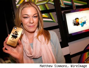 LeAnn Rimes at the Grammy Gift Lounge