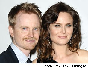 'Bones' Star Emily Deschanel is Pregnant