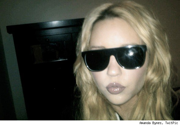 Amanda Bynes Ups Twitter Game With Sexy Photos