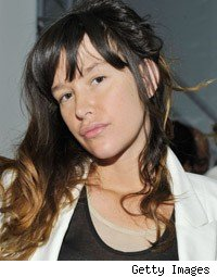 paz de la huerta assault