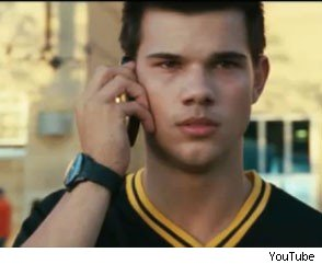 Taylor Lautner Kicks Ass, Takes Names in 'Abduction' Trailer