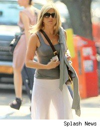 Jennifer Aniston fashion photos