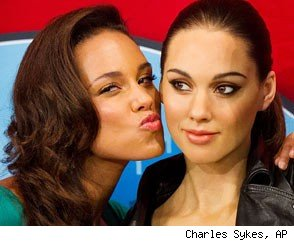 Alicia Keys and Her Wax Figure