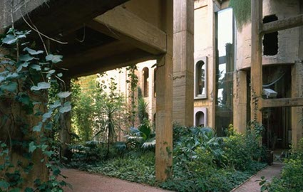 loft, barcelona, exterior, architecture, concrete, green, plants
