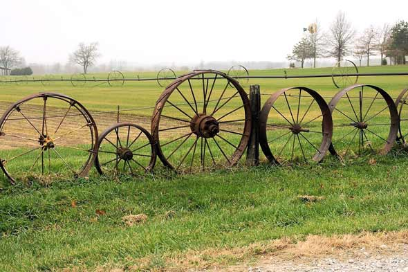 wagon wheel fencing garden wall