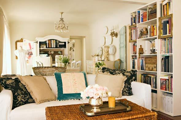 Michelle Long of Bohemienne living room.