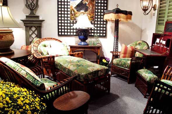 Antique American Wicker booth