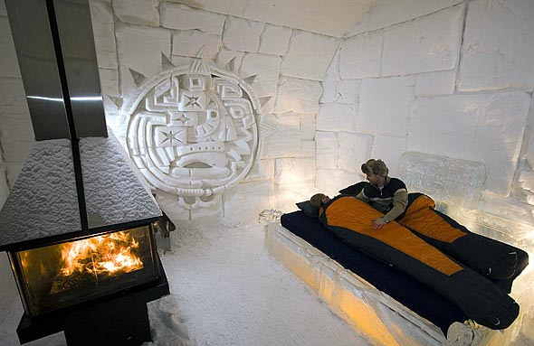 Ice Hotel Stay Cold in Warm Bedroom Hoel de Glace