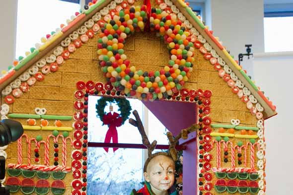 gingerbread-house-st-jude