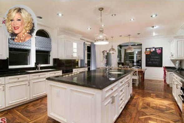Kitchen Makeover Inspiration From Famous Moms Coldwell
