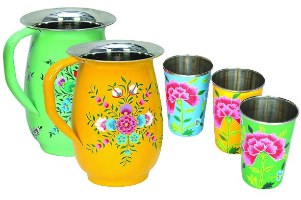 Floral jugs and floral tumblers