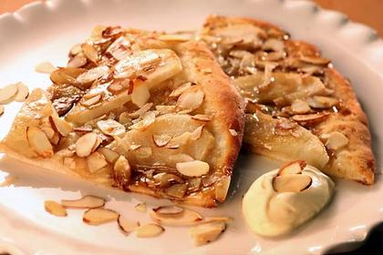 fresh pear and almond dessert pizza