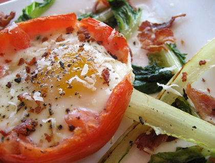 Food Porn: Romaine- and Egg-Stuffed Tomatoes with Bacon