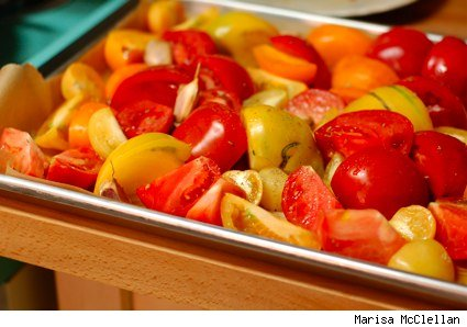tray of tomatoes ready for the oven