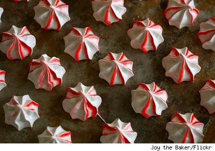 piped peppermint meringue cookies
