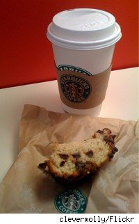 starbucks coffee cup and chocolate chip banana bread