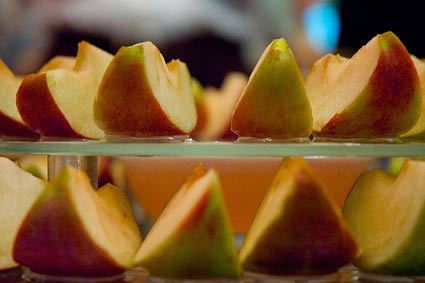 apples in honey on rosh hashana