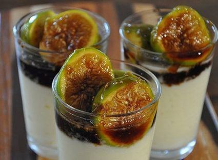 caramelized balsamic figs and ricotta mousse
