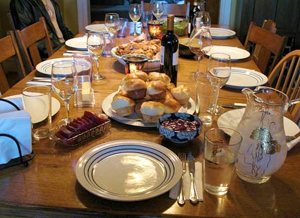 wine on the thanksgiving dinner table