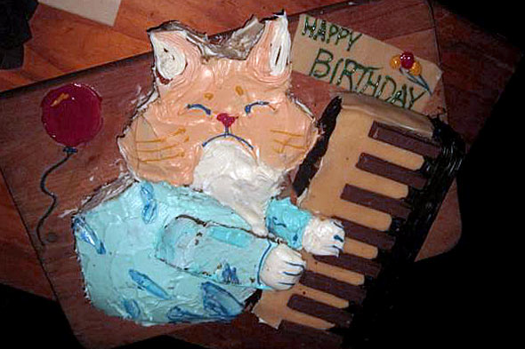 keyboard cat cake