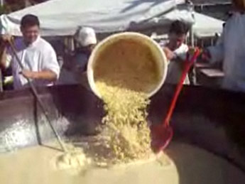 Guinness World Record Macaroni and Cheese