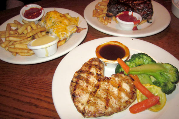 Outback Favorites menu taste test