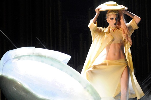 Lady Gaga's egg costume Grammy Awards 2011