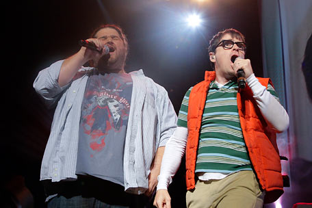 Rivers Cuomo with Jorge Garcia (live)