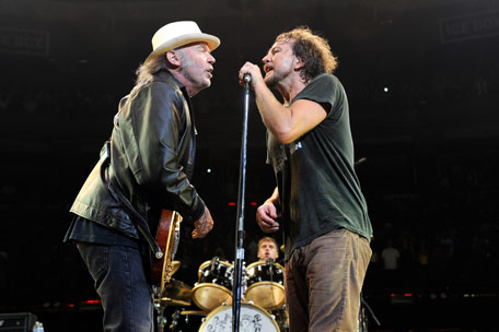 Neil Young, Eddie Vedder